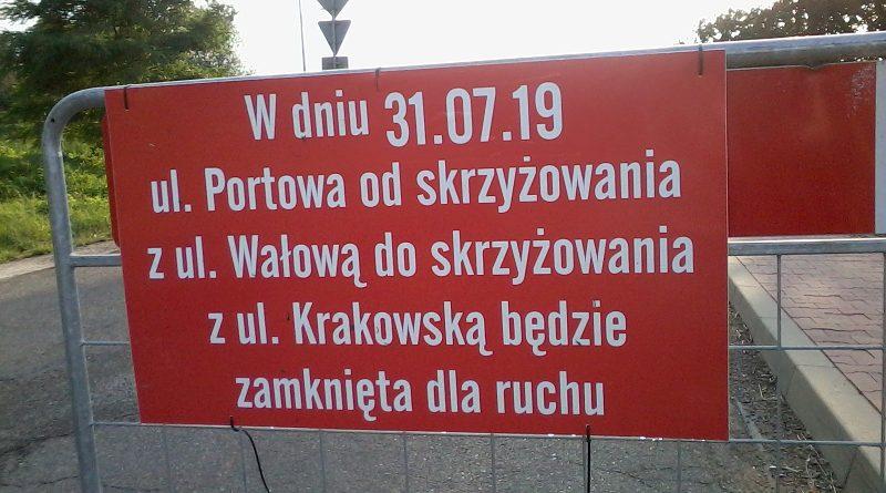 Utrudnienia w ruchu, ulica Portowa, Niepołomice